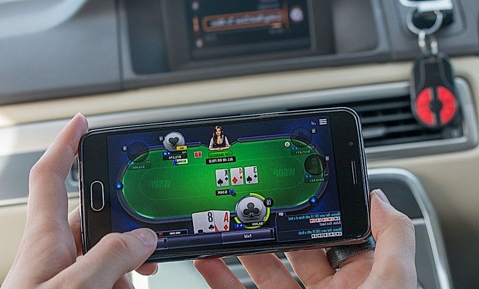 crash game on smartphone